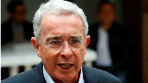 Entrevista Álvaro Uribe Vélez con Financial Times, Londres Colombia's Uribe on Venezuela: 'Tyranny has established itself'