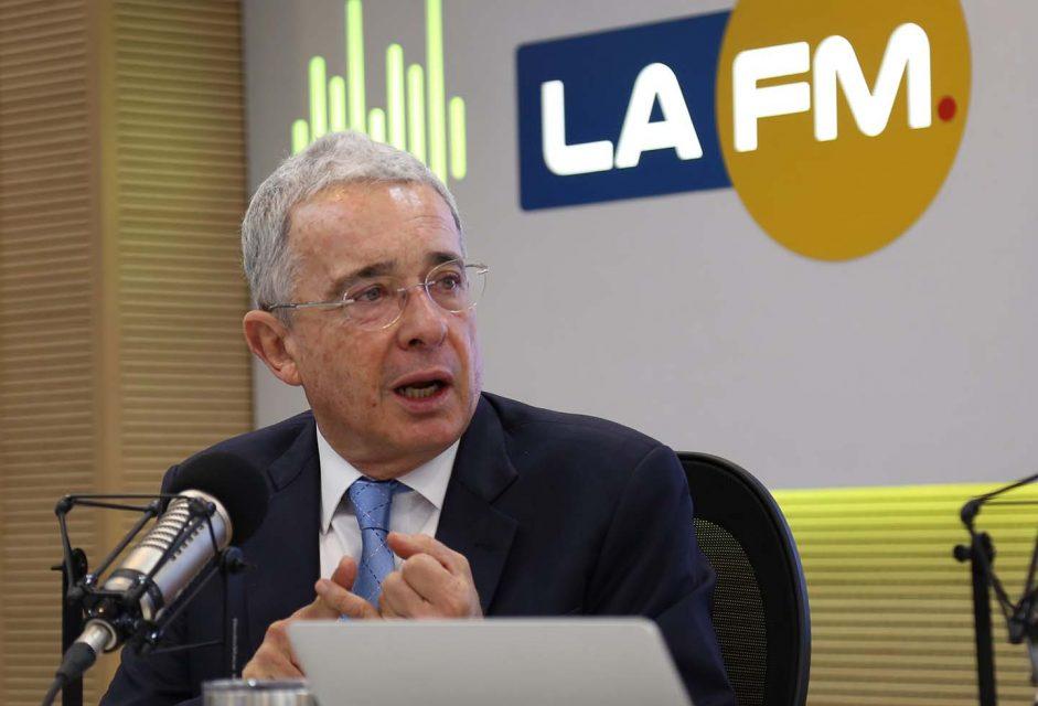 Entrevista La FM, 4 enero 2021. Tres retos 2021: Vacunación, reducción de la pobreza, seguridad y narcotráfico