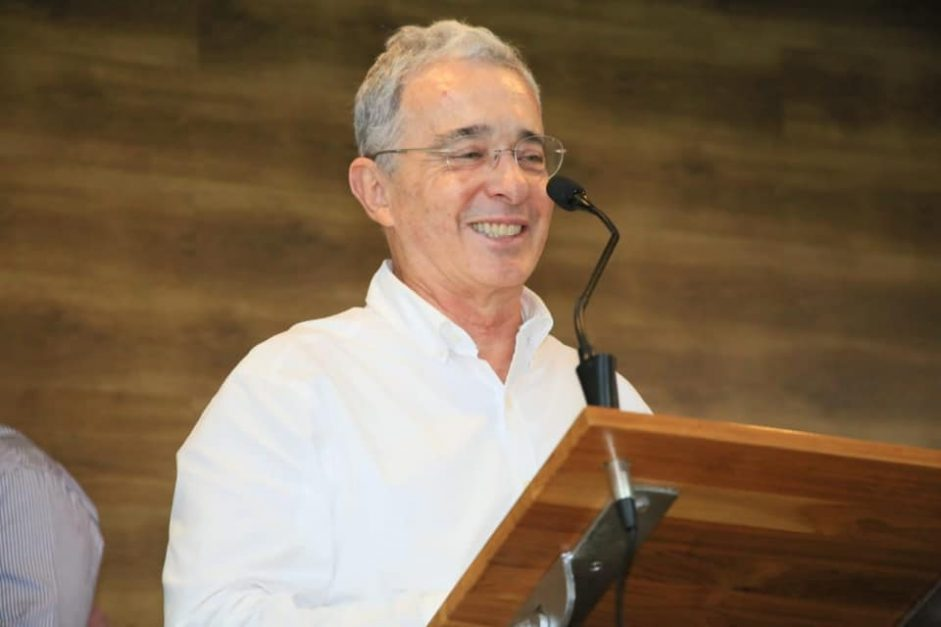 Venezuela, Perú, Colombia y Chile: Conversatorio LarrainVial Álvaro Uribe Vélez.