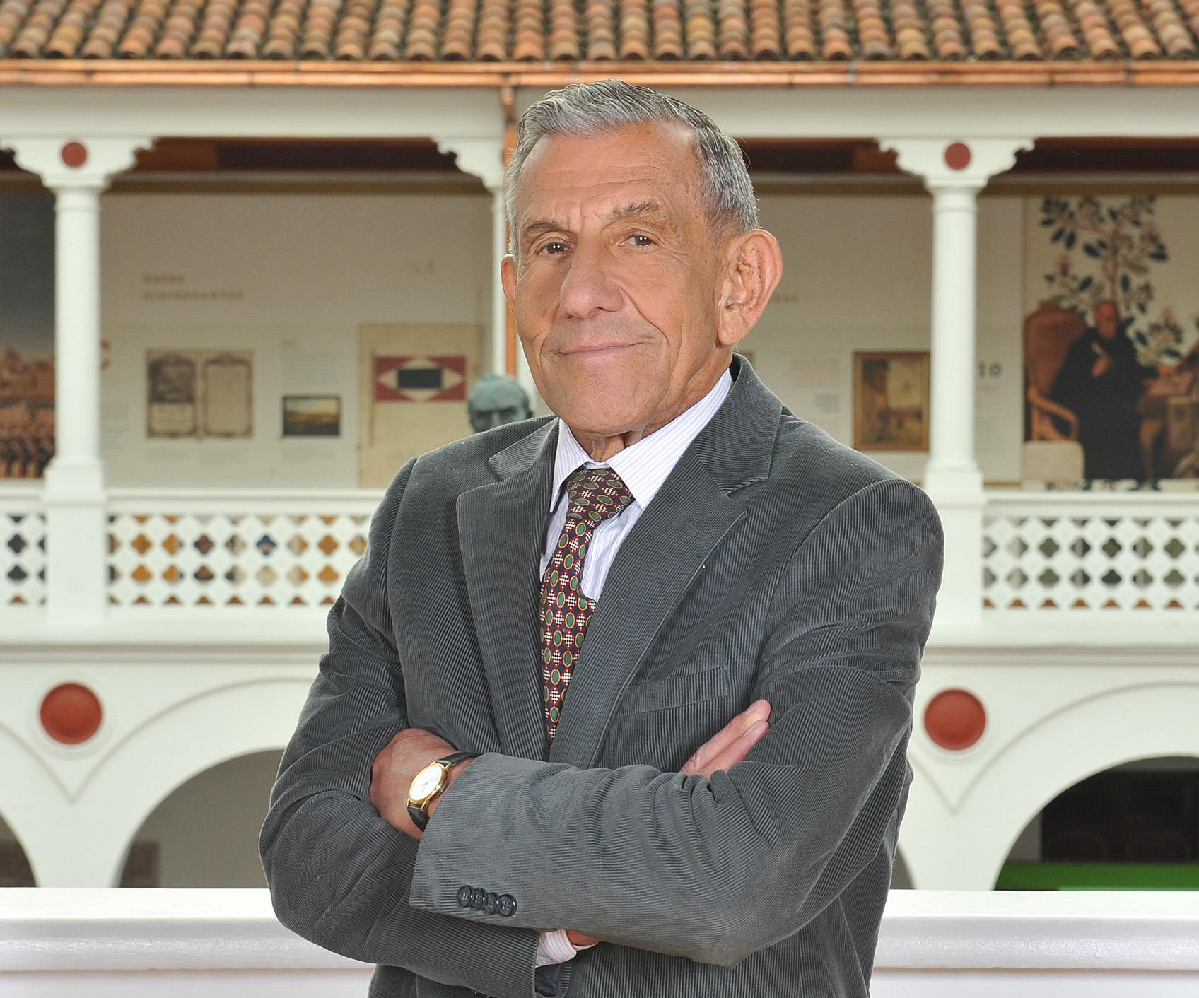 Palabras del Dr. Julio Londoño sobre la política exterior del presidente Álvaro Uribe Vélez