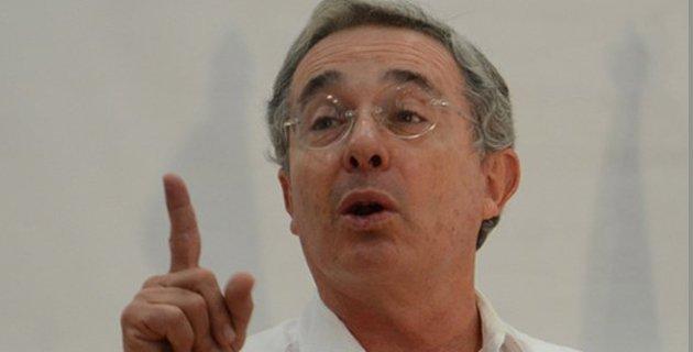 Preguntas de Uribe al gobierno sobre la reforma tributaria