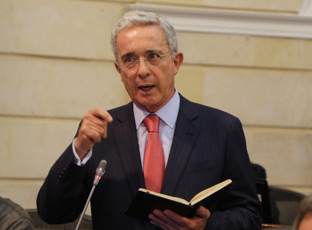 El problema no es quién esté en la cárcel o en el Senado, el problema es el mal ejemplo de la impunidad: Álvaro Uribe Vélez