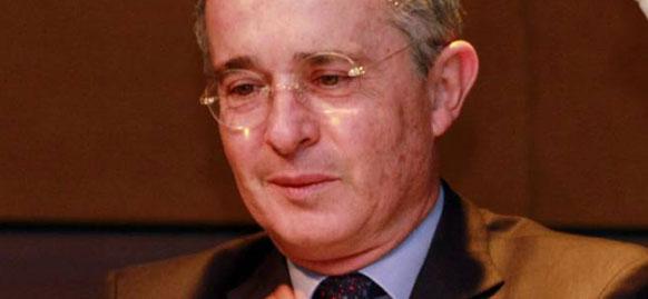 Uribe denuncia «clientelismo» en el ICA