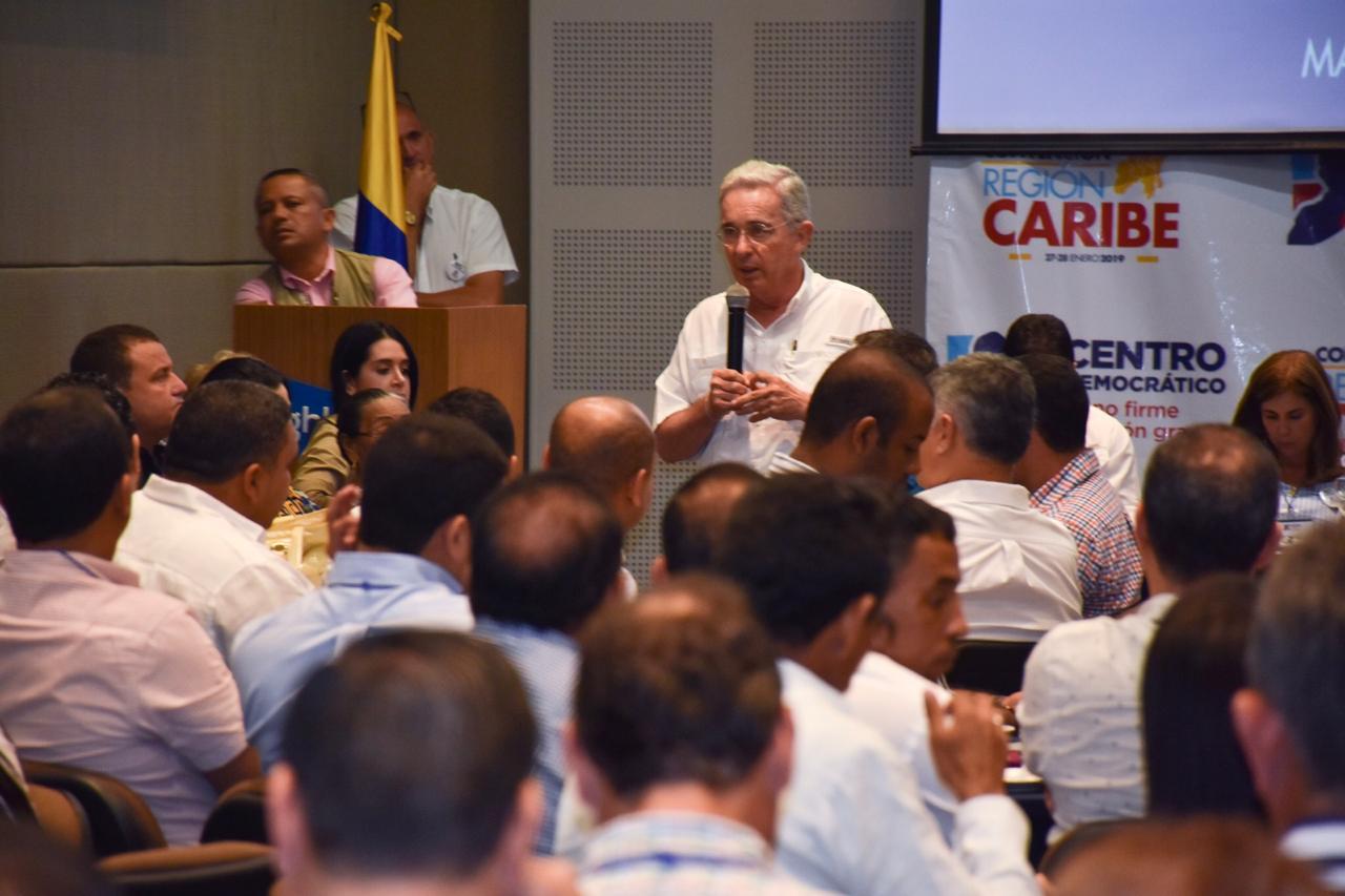 """""""Esta convención sirvió para prospectar el Partido a octubre de este año, que tiene que estar conectado con la prospección del Partido al año 2022"""": Uribe"""