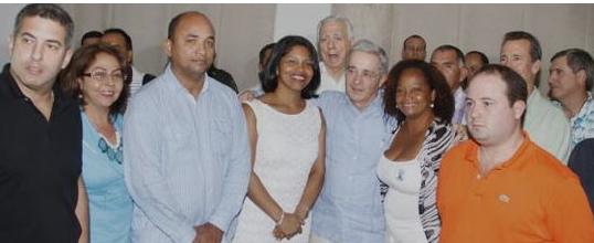 «No conspiro a hurtadillas para destituciones» Uribe