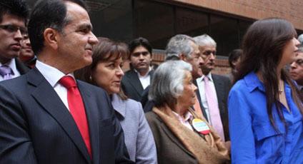 Óscar Iván registra más de un millón 220 mil firmas que apoyan su candidatura presidencial