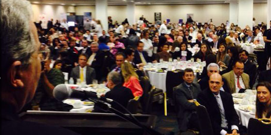 Expresidente Uribe presenta candidaturas de UCD a los colombianos que residen en La Florida, EE.UU.