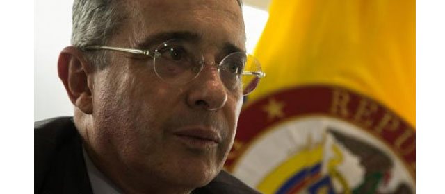 Álvaro Uribe y su debilidad por la tecnología