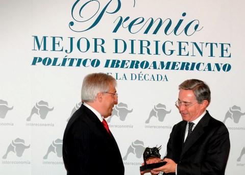 Álvaro Uribe, premiado como 'Mejor Dirigente Político Iberoamericano de la Década' por el Grupo Inte
