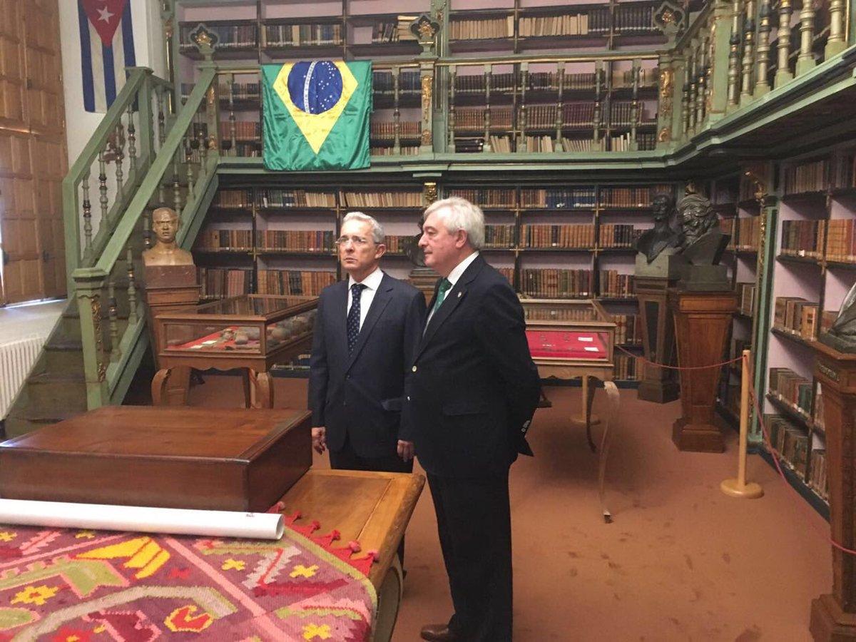 Galicia, España. Con el rector de la Universidad de Santiago